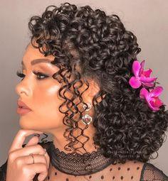 Quince Hairstyles, Wedding Hairstyles, Wedding Nails, Wedding Bride, Wedding Dresses, Glam Makeup Look, Makeup Looks, Bride Look, Dreadlocks