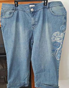 57cb39ac6c394 Venezia Plus Size 28 Blue Faded Wash Embellished Cuffed Denim Capri Pants   Venezia  CaprisCropped