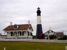 Charming Tybee Island The Perfect Place For Your Beach Wedding Lighthouse