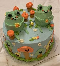 Pretty Birthday Cakes, Pretty Cakes, Cute Cakes, Sweet Cakes, Cute Food, Yummy Food, Bolo Halloween, Frog Cakes, Aesthetic Food
