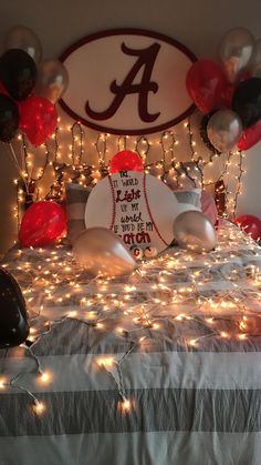 45 Romantic Bedroom Decorations Ideas for Valentine's Day – Bedroom Ideas Romantic Room Decoration, Romantic Bedroom Decor, Wedding Bedroom, Bedroom Ideas, Romantic Room Surprise, Cute Homecoming Proposals, Homecoming Ideas, Prom Invites, Dance Proposal