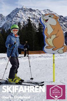 Eines der schönsten Skigebiete in Vorarlberg zum Skifahren mit Kindern - samt Kinderland und schönen langen Skibabfahrten. Zudem viele Möglichkeiten für einen Winterurlaub ohne Ski aber mit viel Schneerlebnis. #brandnertal #skigebiet #vorarlberg #österrreich Baseball Cards, Sports, November, Ski Resorts, Winter Vacations, Skiing, Family Vacations, Adventure, Destinations