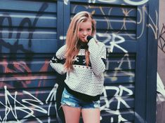 Jade Pettyjohn is an American teen actress best known for her role as McKenna Brooks in An American Girl: McKenna Shoots for the Stars. Hottest Female Celebrities, Celebs, Jade Pettyjohn Age, Very Pretty Girl, Teen Girl Poses, School Of Rock, Loren Gray, Teen Actresses, Cute Girl Outfits
