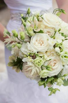 white and green bouquet | Sarah Kate Photography