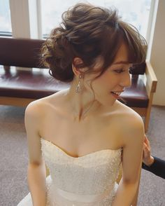 披露宴前の少しホッとするお時間☺️✨ Bride Hairstyles, Hairstyles Haircuts, Pretty Hairstyles, Wedding Hair Up, Wedding Beauty, Bridal Hairdo, Hair Arrange, Hair Setting, Dream Hair