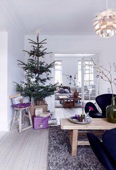 Detalles en morado para la decoración navideña
