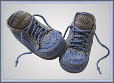 одноклассники Crochet Boot Socks, Crochet For Boys, Crochet Baby Booties, Crochet Slippers, Cute Baby Shoes, Knit Baby Sweaters, Simple Shoes, Baby Sneakers, Baby Boots