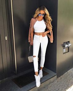 Casual summer outfits always give a refreshing feeling. Are you looking for the most popular casual summer outfits this year? You don't want to miss these kinds of costumes . Trendy Summer Outfits, Classy Outfits, Outfits For Teens, Stylish Outfits, Spring Outfits, Winter Outfits, Girl Fashion, Fashion Outfits, Fashion Trends