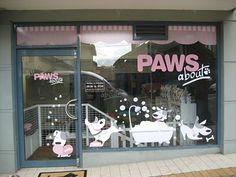 New boutique pet store grooming salon ideas Dog Grooming Shop, Dog Grooming Salons, Dog Grooming Business, Dog Spa, Pet Hotel, Dog Salon, Dog Wash, Pet Boutique, Pet Store