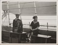 Pierre Gilliard (tutor francês) e o Tsarevich Alexei Nikolaevich a bordo do Imperial Yacht Standart, em 1914.
