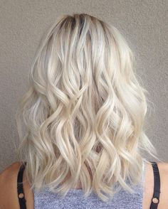 50 Ideas for Platinum Blonde Hair Color — Silvery Trend of the Year Check more. - COLORS - 50 Ideas for Platinum Blonde Hair C. Platinum Blonde Hair Color, Cool Blonde Hair, Light Blonde Hair, Blonde Lob, Blonde Waves, Blonde Curls, Blonde Hair Upkeep, Butter Blonde Hair, Light Blonde Balayage