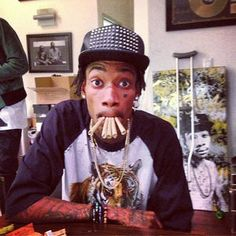 Discovered by Melisa Jimènez. Find images and videos about weed, wiz khalifa and wiz on We Heart It - the app to get lost in what you love. Taylors Gang, Ty Dolla Sign, Juicy J, Hip Hop And R&b, Wiz Khalifa, Mac Miller, Big Sean, Snoop Dogg, Thrasher