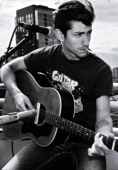 Alex Turner - Arctic Monkeys (again. because let's face it, this board could always use a bit more Alex Turner. Sheffield, Rock Bands, Beautiful Men, Beautiful People, Gorgeous Guys, Monkey 3, Best Guitar Players, The Last Shadow Puppets, We Will Rock You