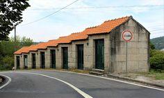 Cabana, Douro, Big Ben, Sidewalk, Building, Travel, Mosque, Viajes, Side Walkway