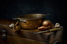 Still life pictures - Yahoo Image Search Results Light Painting Photography, Fruit Photography, Still Life Photography, Fine Art Photography, Photography Tricks, Still Life Pictures, Copper Still, Copper Tea Kettle, Copper Pots