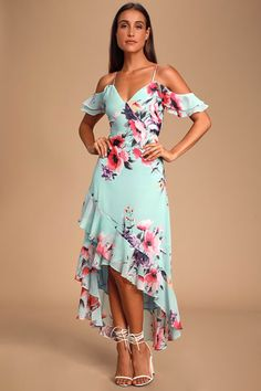 Let the good times roll in the Lulus Love in Bloom Blue Floral Print Off-the-Shoulder High-Low Dress! A high-low, floral print off-the-shoulder dress. Dresses For Teens, Modest Dresses, Elegant Dresses, Sexy Dresses, Dress Outfits, Casual Dresses, Fashion Dresses, Dresses With Sleeves, Dresses Online