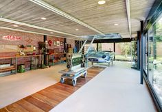 Checkout Our Collection Of 20 Industrial Garage Designs To Get Inspired.