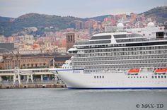 MS Riviera im Hafen von Barcelona