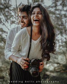 Indian Wedding Couple Photography, Wedding Couple Poses Photography, Couple Photoshoot Poses, Girl Photography Poses, Couple Posing, Couple Shoot, Pre Wedding Shoot Ideas, Pre Wedding Poses, Pre Wedding Photoshoot