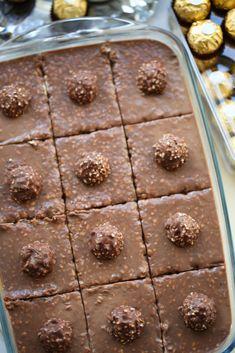 Romige Ferrero Rocher dessert (no bake) Baking Recipes, Cake Recipes, Ferrero Rocher, Fruits And Vegetables, Cake Cookies, Cheesecake, Food And Drink, Chocolate, Breakfast