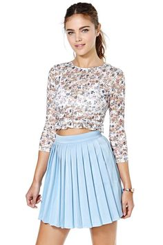 I like the concept of this look, not necessarily that exact skirt