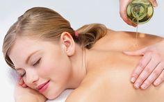 Massage vùng da bị nám
