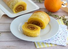 Craving for a swiss roll ? - Recipe Dessert : Orange swiss roll from. Lemon Recipes, Sweet Recipes, Cake Recipes, Dessert Recipes, Gluten Free Treats, Gluten Free Recipes, Bon Dessert, Portuguese Recipes, Polish Recipes