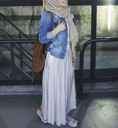 hijab, muslim, and muslimgirl image Abaya Fashion, Skirt Fashion, Fashion Outfits, Fashion Fashion, Fashion Ideas, Vintage Fashion, Modest Summer Fashion, Summer Fashion Trends, Summer Trends