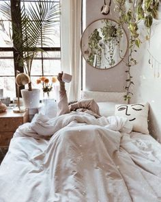 [New] The 10 Best Home Decor (with Pictures) - Sun-yay vibes bedroom goals by Decoration Inspiration, Room Inspiration, Decor Ideas, My New Room, My Room, Bedroom Inspo, Bedroom Decor, Entryway Decor, French Style Homes