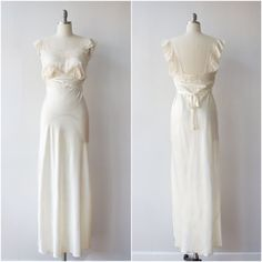 c0d4a0f4e405 Vintage 1930s 1940s Forty Winks Satin & Lace Gown / Nightgown Intimates  Bridal Wedding Bias Cut S Small to M Medium