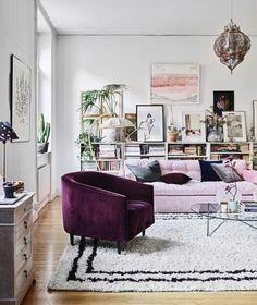 Selv om det snart er jul drømmer vi i ELLE-redaksjonen om dette vakre Stockholms-hjemmet som du kan lese mer om på side 175 i utgaven av ELLE som er ute nå #ellenorge #elleinteriør #løpogkjøp - Culture and #Fashion - Women's #Dresses and Shoes - Purses and Accessories - #Luxury Lifestyles of Rich and Famous - Editorial Campaigns - Bargain #Shopping Ideas - Style and Beauty News - Best Designer Brands - Runway Photography - Supermodels