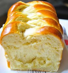 Brioche bread recipe baked in the oven without the use of a bread machine. - - Brioche bread recipe baked in the oven without the use of a bread machine. food Brioche bread recipe baked in the oven without the use of a bread machine. Easy Bread Recipes, Baking Recipes, Brioche Loaf, Challah Bread Recipes, Brioche Rolls, Bread Machine Brioche Recipe, Dessert Bread Machine Recipes, Dessert Recipes, Meals