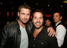 Jeremy Piven and Gerard Butler.it just gets better! Mr Selfridge, Jeremy Piven, Gerard Butler, Dream Team, Picture Photo, Legends, Hollywood, Pictures, Life