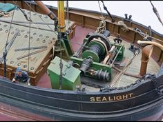 Model Ship Building, Boat Building, Nautilus Submarine, Scale Model Ships, Dutch Barge, Steam Boats, Best Boats, Boat Art, Wooden Ship