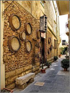 Malta © Old street scene - Mdina