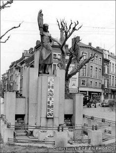 monument tchantchès_outremeuse_liège_années 1950 (2).jpg