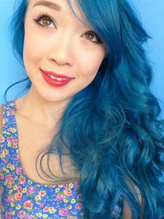 Pelo azul.