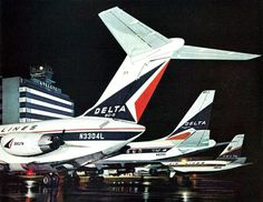 Classic Delta Airlines lineup at Atlanta, mid Airline Travel, Air Travel, Delta Flight, Atlanta Airport, Railroad Photography, Airplane Photography, Passenger Aircraft, Air Photo, Private Plane