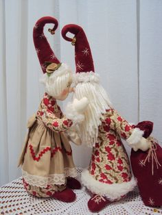 1 million+ Stunning Free Images to Use Anywhere Christmas Gnome, Christmas Angels, Christmas Crafts, Christmas Ornaments, Fabric Christmas Trees, Crochet Decoration, Free To Use Images, Handmade Christmas Decorations, Fabric Dolls