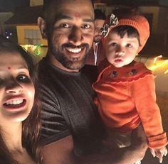 MS Dhoni with his wife Sakshi & daughter ZIva on Diwali night yesterday - http://ift.tt/1ZZ3e4d