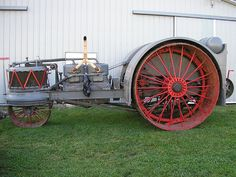 "Here is the world famous Wallis ""Bear"" built in 1912-1914 vary little is known on the wallis bear other then it was one big heavy tractor and a mighty power house"