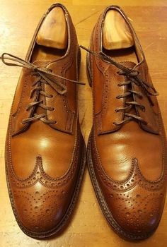 Vtg., Florsheim Imperial, Walnut Brown, Leather, V-Cleat, Wing Tips (Sz 10.5 C)…
