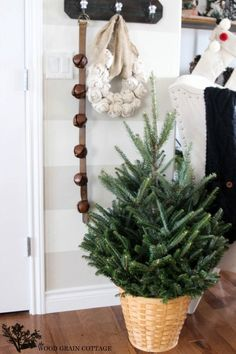 Christmas Home Tour - The Wood Grain Cottage