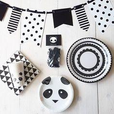 *Panda Party* Confetti & Balloons Trendy feestversiering en hippe feestartikelen. www.confettiandballoons.nl Panda Party, Panda Birthday Party, 10th Birthday Parties, Birthday Diy, Panda Craft, Panda Bebe, Virtual Baby Shower, Party Time, Confetti Balloons