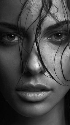 Top 10 Best Portrait Photographers in the World Best Portrait Photographers, Best Portraits, Black And White Portraits, Black And White Photography, Girl Face, Woman Face, Photography Women, Portrait Photography, Photographie Portrait Inspiration