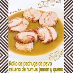 Rollo pechuga pavo relleno de humus, jamón y queso