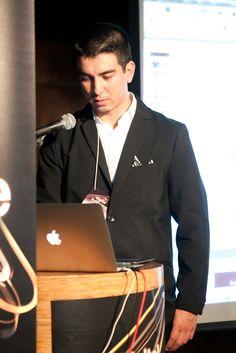 Luiz Silveira, Gerente de Marketing da EPYX Soluções Editoriais, demonstra os sistemas WoodWing e Adobe DPS. Foto: Patrícia Bruni.