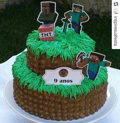 Sugestões e ideias para festa no tema Minecraft – Inspire sua Festa ® Pastel Minecraft, Minecraft Food, Minecraft Birthday Cake, Easy Minecraft Cake, Mind Craft Birthday Party, Birthday Parties, Pastel Mickey, Minecraft Party Decorations, Lego Cake
