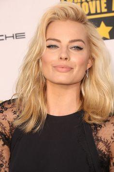 Margot Robbie - tousled blonde