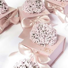 Y wedding favors - Favors - DIY favours/ Orders Wedding Favor Boxes, Diy Wedding Favors, Wedding Gifts, Door Gift Wedding, Diy Favours, Party Favors, Wedding Decorations, Diy Design, Chocolate Wrapping
